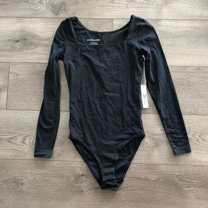 Everlane. Long-Sleeve Square Neck Bodysuit. Black.